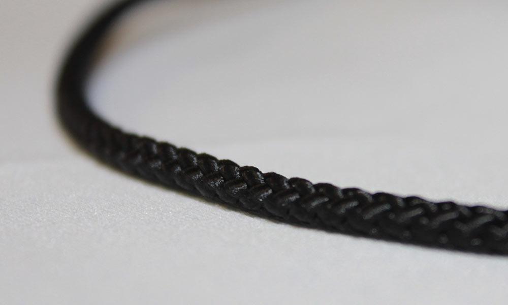 Diamond Braids Nylon Solid 28